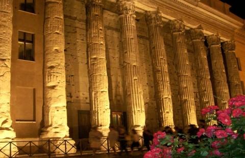 Il-Tempio-di-Adriano