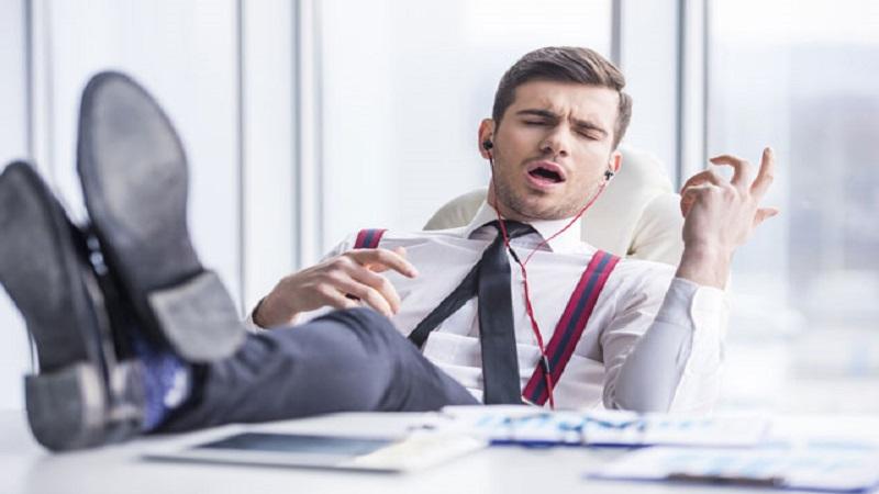 Uno studio conferma la musica in ufficio fa bene for Musica rilassante da ufficio