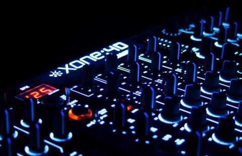 dj-set