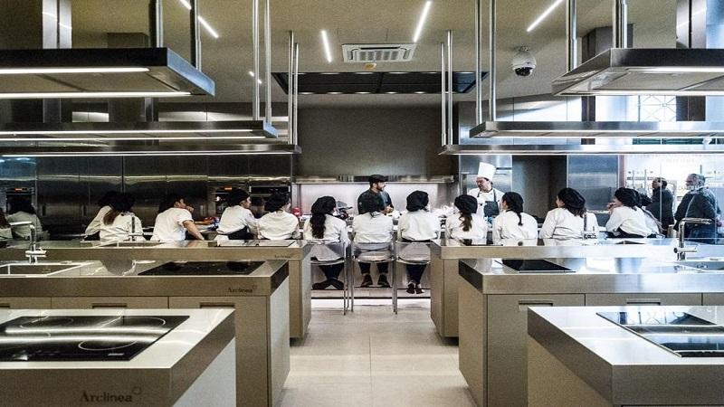 I romani pazzi per le scuole di cucina u dimensione suono roma