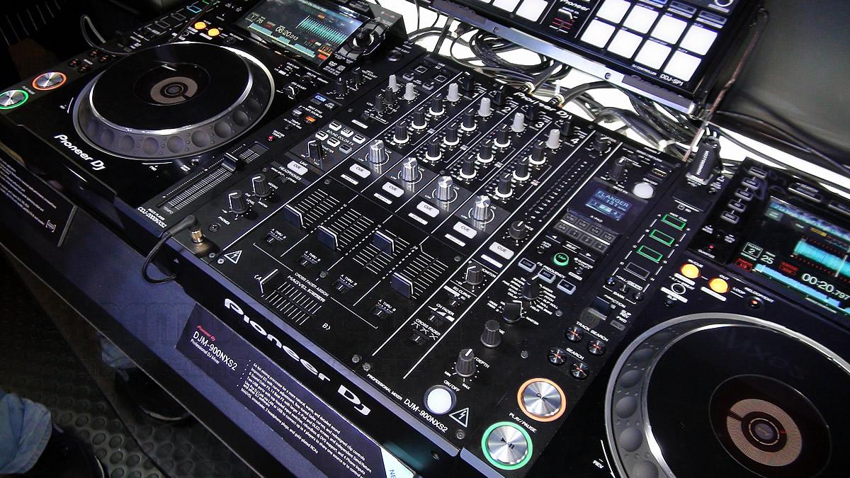 pioneer-dj-djm-900nx2