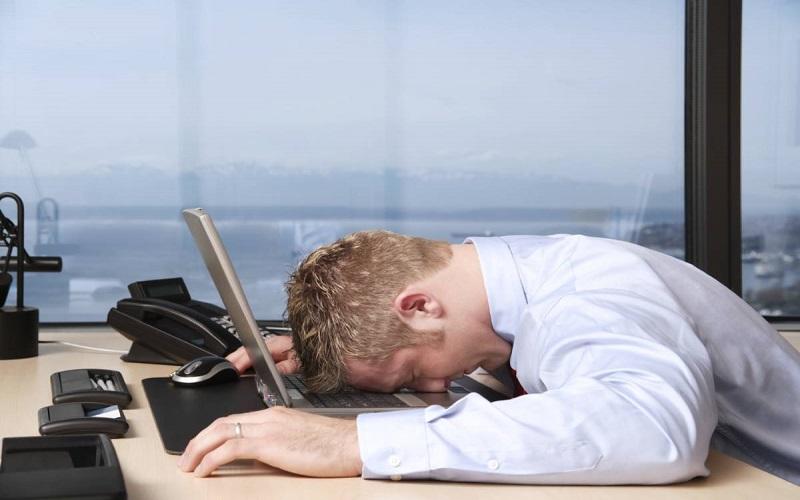 sonnolenza-al-lavoro