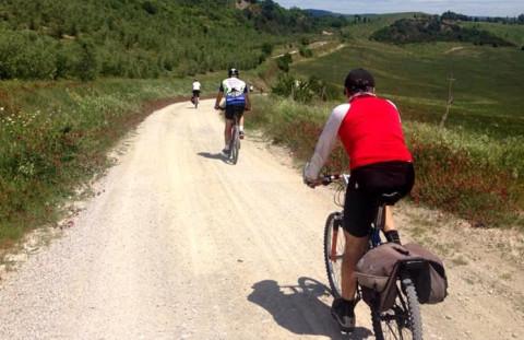 via Flaminia ciclisti-800